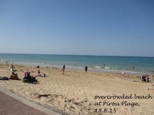 overcrowded beach at Pirou
