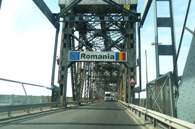 danube_bridge_border_crossing