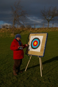 SG1L0395 Viv scoring at archery